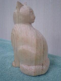 木彫りの猫